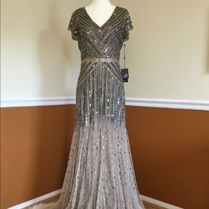 NWT ADRIANNA PAPELL Elegant Beaded Gown Sz 4-6
